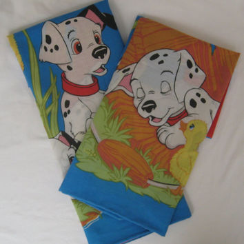 Vintage Disney 101 Dalmatians Dogs Puppies Standard Size Pillowcase Set of 2 Craft Fabric Clean Kids Bedding Bedroom Decor Clean USED