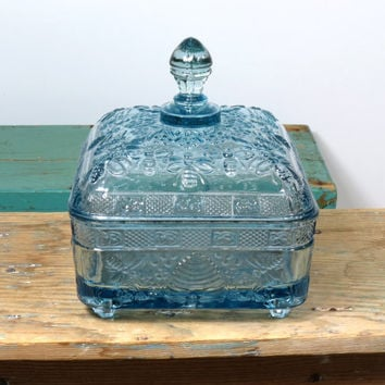Beautiful Ice Blue Tiara Exclusives Honey Box . Circa 1982 . Indiana Glass Re-issue . Honeycomb Honey Bee Dish . Vintage Glass