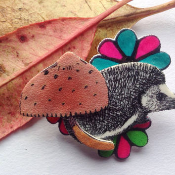 Hedgehog brooch, hedgehog pin, woodland nrooch, hedgehog jewellery.