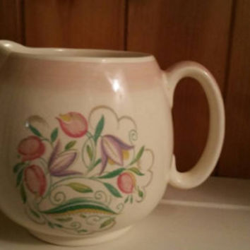 SUSIE COOPER 1930s jug/ water pitcher pink Dresden Spray design/English transferware /excellent condition / Rare item