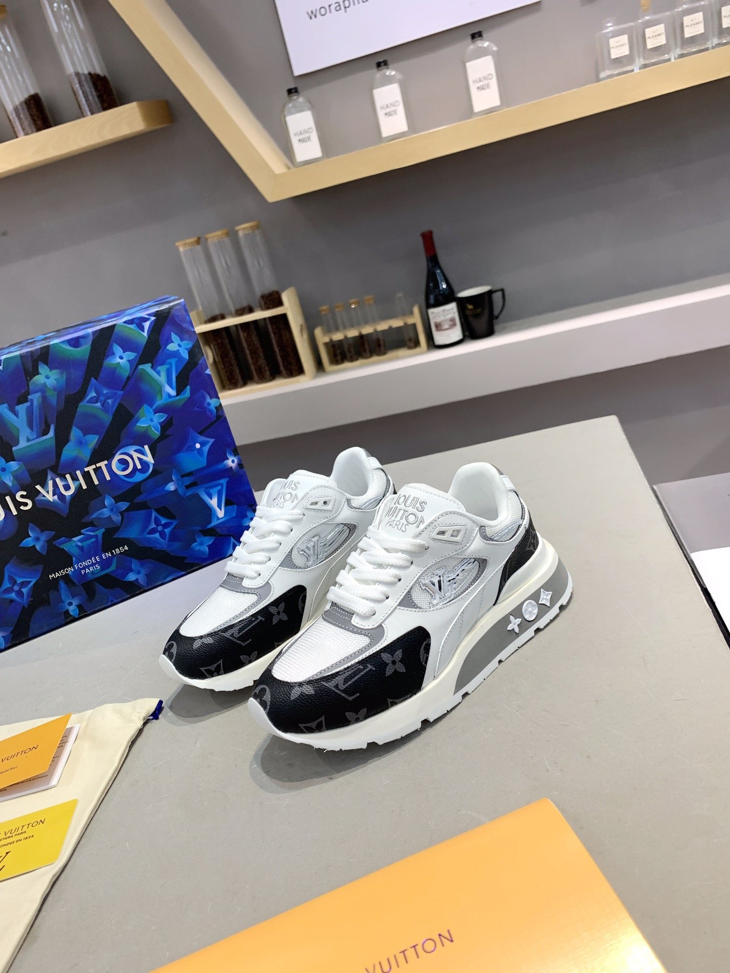 Image of Louis Vuitto Men's 2021 New Fashion Casual Shoes Sneaker Sport Running Shoes0515xf