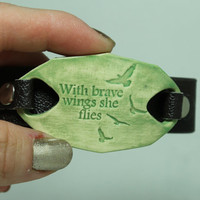 With brave wings she flies. Watchband bracelet Green MB46