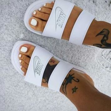 NIKE Solid Color Casual Fashion Flip Flop Sandals F