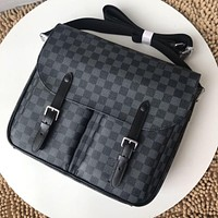 LV Louis Vuitton MEN'S MONOGRAM CANVAS Christopher CROSS BODY BAG