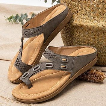 New style flip flops leather and metal stitching flat casual women's shoes slippers