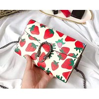 Samplefine2 GUCCI new strawberry print women's chain bag wine god bag