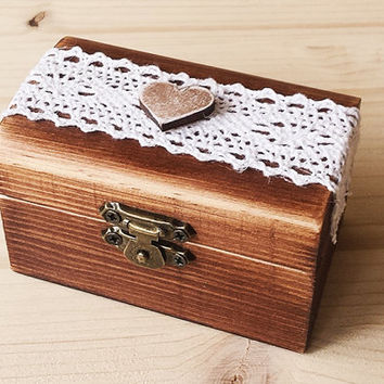 Wedding ring box - Wooden ring holder - Rustic Wedding Ring Box - Ring bearer box - Wedding ring holder,  Wooden Ring Box