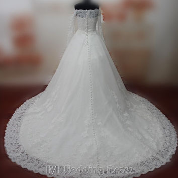 Real Photos Full Sleeves Lace Wedding Dresses Bateau Wedding Gowns Zipper wth Covered Buttons Closure Bridal Gowns Long Train Bridal Dress