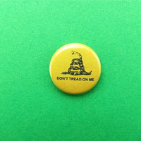 Don't Tread On Me 1 inch Pin Back Button by Metallicarp on Etsy