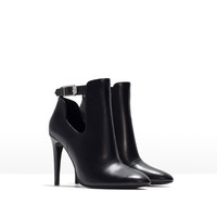 High heeled cut-out bootie