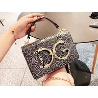D&G  selling a casual lady shoulder bag with fashionable retro pattern shopping bag