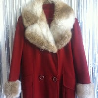 Vintage 70s/80s burgundy coat FAUX FUR collar and cuffs LARGE