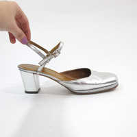 Vintage 60s 70s Silver Wedding Platform Disco Heels Metallic Leather Mary Janes Mod Chunky Heels Closed Toe Ankle Strap Shoes Narrow (7AA)