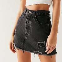 Levi's Deconstructed Denim Mini Skirt – Gimme Danger | Urban Outfitters