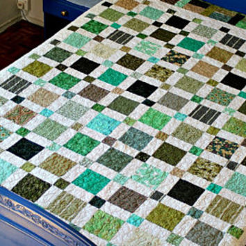 Twin Quilt, Quilted Blanket, Green White, Full Bed Quilt, Large Throw, Dorm Quilt, Reversible Quilt, Patchwork Quilt, Quiltsy Handmade