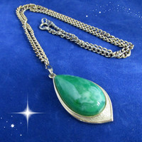 Faux Jade Tear Drop Pendant Gold Tone Sarah Coventry Necklace