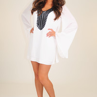 Cover Me With Kisses Dress: White/Black