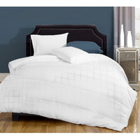 Walmart: Canada's Best Medium-Weight Down Alternative Bedding Comforter