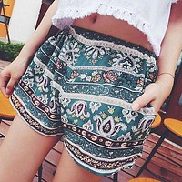 Main Season Womens Summer Casual Loose Loose Shorts Floral Boho Beach Hot Short Pants