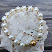 Wedding Ivory Pearl Bracelets with Magnet Gold Plated Rings and Clasp.