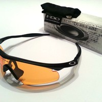 SUPERB OAKLEY SUNGLASSES - HYBRID S - 11 077 - 100% AUTHENTIC - CLEARANCE PRICE