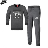 NIKE 2018 autumn and winter new plus velvet round neck warm sportswear two-piece Grey
