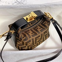 Fendi lunch box lunch box bag mini Fendi Baguette magnetic closure Coffee