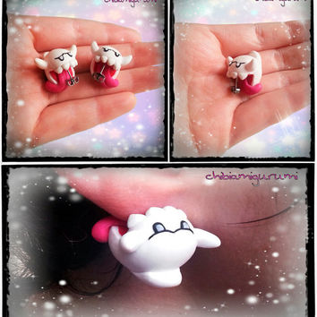 Boo ghost / phantom earrings charm chibi in polymer clay inspired from Super Mario Nintendo videogame. You can choose surgical steel