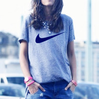 Women Men Nike fashion short sleeve print big hook T-shirt top Grey