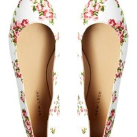 New Look Cream Koin Lady Floral Flat Shoes at asos.com