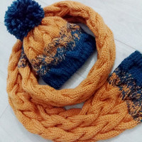 Cable knitted set: beanie and a scarf