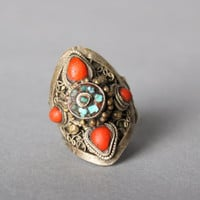 70s ETHNIC Gypsy SIlver RING / 1970s Turquoise & Coral Etched Boho Ring