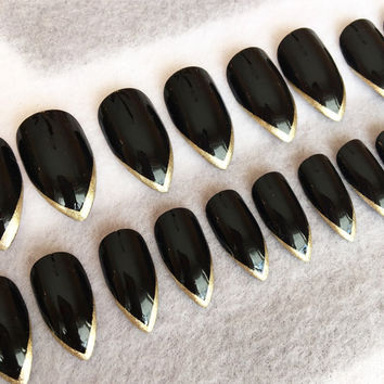 Black Stiletto Faux Nails * Gold Tips * Stiletto Nails * Fake Nails * Press On Nails * Black Nails