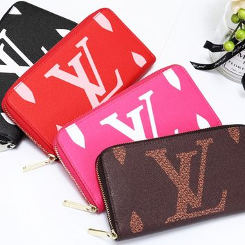 Louis vuitton sells casual printed zipper purses and purses for women