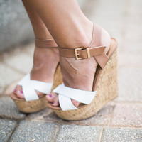 DELICIOUS:Spite-White/Tan Wedges
