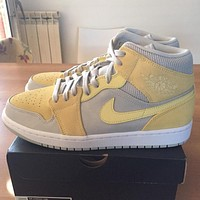 Air Jordan 1 Mid SE Mixed Textures Yellow mid-top casual sneakers shoes