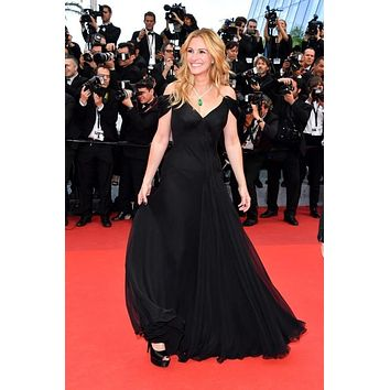 Julia Roberts Black Plunging Chiffon Celebrity Prom Dress Cannes 2016 Red Carpet