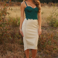 Back To Lace Crop Top: Evergreen