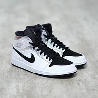 "Air Jordan 1 Mid Kawhi Leonard ""Pass The Torchâ€"