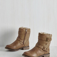 Military Fearless Footing Boot in Cappuccino