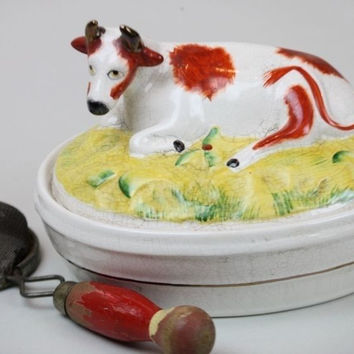 Antique Early English Staffordshire Oval Butter Tub / Cheese Dish  w/ Resting Cow Lid Top