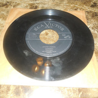 Vintage Vinyl Record 45 RPM Perry Como With Lloyd Shaffer And His Orchestra - Song Of Songs - Easter Parade