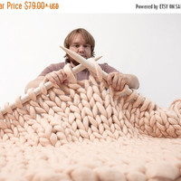 Super Thick Carpet. GIANT Throw. Super bulky Merino Wool. Extreme knitted blanket. Super big stitch carpet by woolWow! Choose from 70 colors