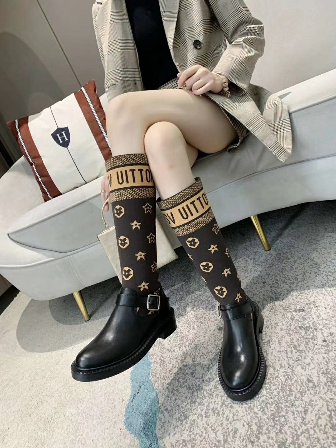 Image of lv louis vuitton trending womens men leather side zip lace up ankle boots shoes high boots 214