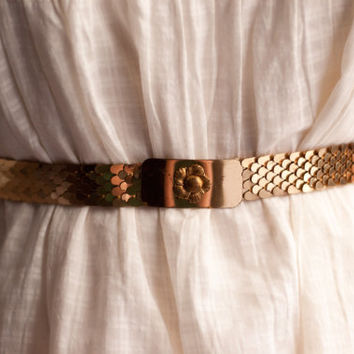 Vintage stretch belt with gold scale design and flower buckle / xs, small, medium or large / boho, retro, disco, serpent / Unique gold belt
