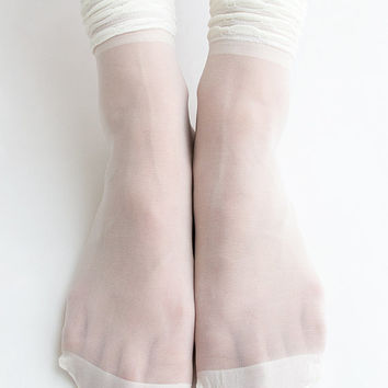 Women New Hezwagarcia Must Have Basic Essential Super Sheer Shirring Cover See Through Casual Ivory Intimate Ankle Socks Stocking