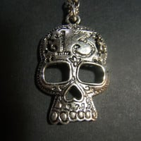Goth biker punk lucky 13 skull metal necklace pendant on 24 inch aged silver tone oval link chain