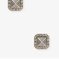 Etched Pyramid Studs