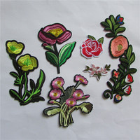 high quality new arrive arrive flower patter fashion style hot melt adhesive applique embroidery patch DIY accessory