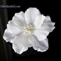 White Bridal Flower with Pearls Hair Clip